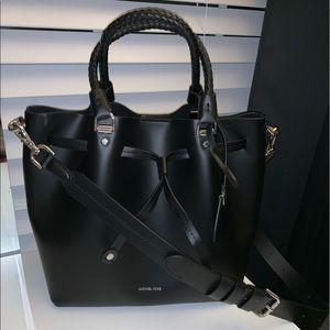 NEW W/O TAGS Michael Kors Black Blakey Bucket Bag